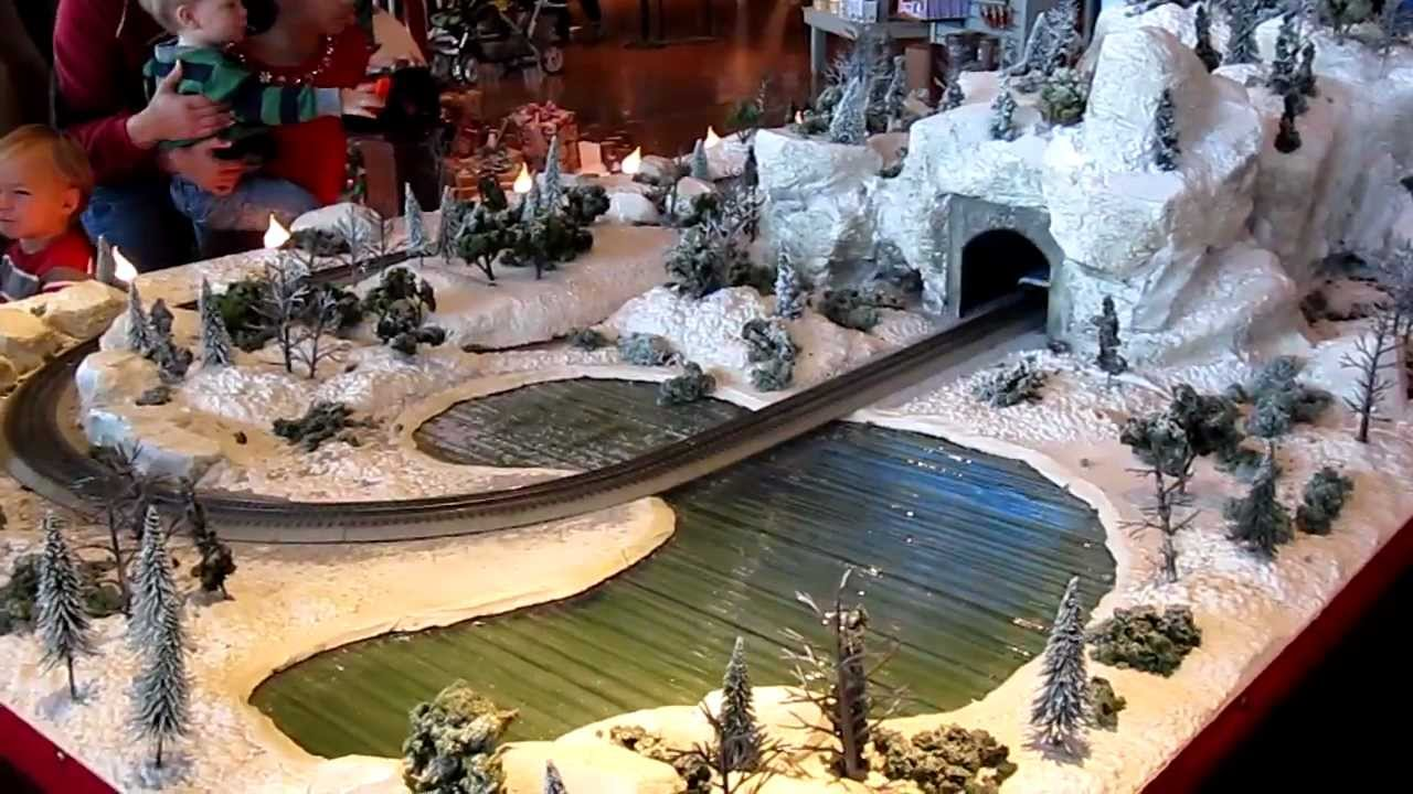 Bass Pro Christmas Train - YouTube