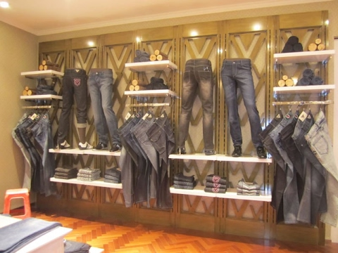 Interior Design Ideas of a Boutique - YouTube
