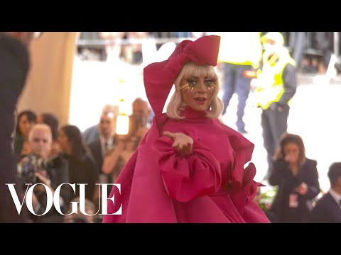 Lady Gaga's Red Carpet Entrance | Met Gala 2019 With Liza Koshy | Vogue