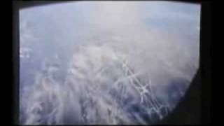 Don't believe in chemtrails? Watch this!Watch  the sky!Heads Up!