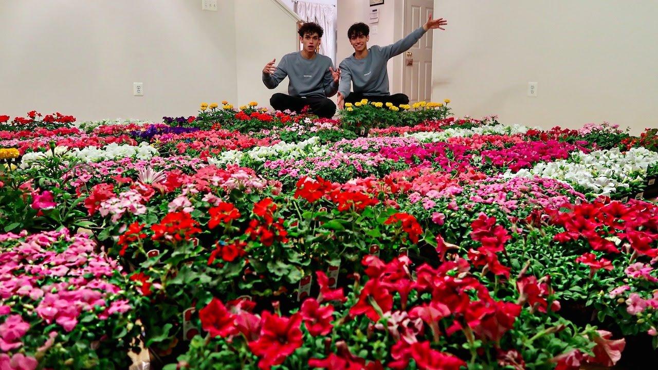 1 MILLION FLOWER SURPRISE PRANK ON MOM (emotional)