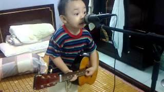 Nam Anh (Mic) Cay dan ghi ta 14 09 2010
