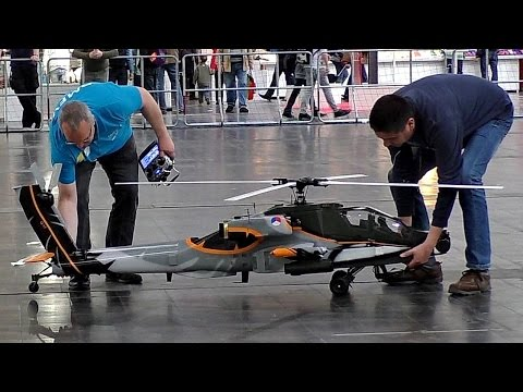 GIANT RC AH-64 APACHE 1:7 SCALE MODEL HELICOPTER FROM VARIO INDOOR FLIGHT / Intermodellbau 2016