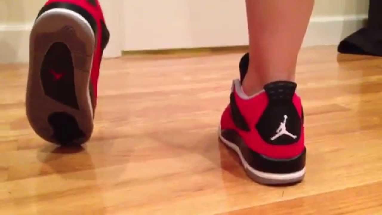 Nike Air Jordan IV/4 Toro Bravo GS On