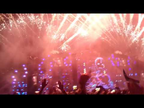Armin van Buuren feat. Lyrica Anderson–Gotta Be Love - Fireshow - AFP 2016