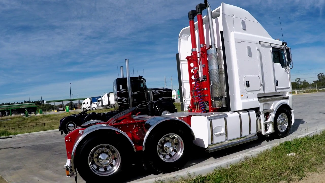 New Kenworth  32