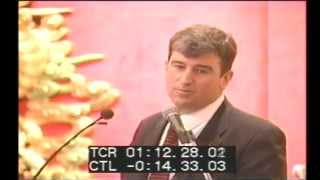 1999 Winnipeg Mayor Glen Murray speaking at a fundraiser for The Foundation for Equal Families