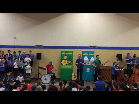 Campus View Elementary Orffestra Performs with Will Stroet and the Backyard Band