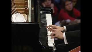 Li Yundi: Chopin - Piano Concerto No. 1 in E minor,