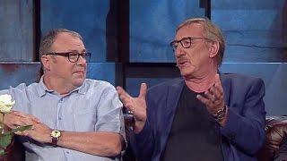 """Siedzą na ławce, piją wino i jeszcze im za to płacą! Kabaret """"Kałamasz"""" u Kuby Wojewódzkiego!"""
