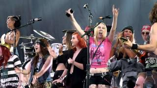 Steel Panther - 17 Girls in a Row & Death to All but Metal (Live At Download Festival 2014) 15/6/14