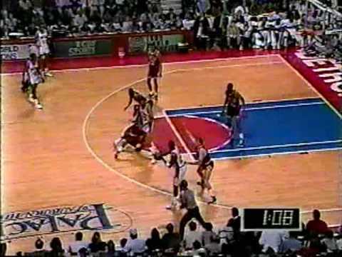 Michael Jordan 1990: 33 Points Vs Pistons (Game 1)