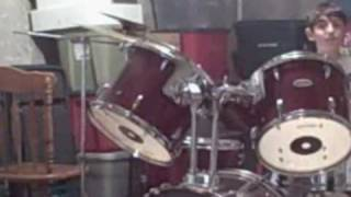 beast drum solo(nick)(Recorded on January 23, 2007 using a Flip Video camcorder., 2009-01-17T19:41:37.000Z)