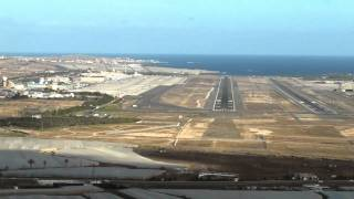 COCKPIT VIEW OF APPROACH AND LANDING AT GRAN CANARIA GANDO AIRPORT