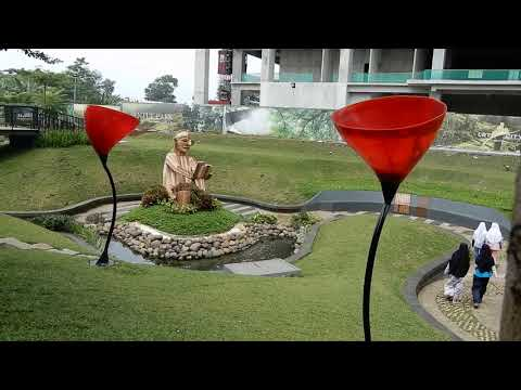 wisata-instagramable-di-taman-kupu-kupu-royal-sentul-park