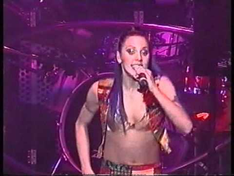 Spice Girls - Never Give Up On The Good Times (Live In Lyon)