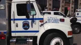 MINI WALK AROUND OF NYPD ESS BOMB SQUAD 2 UNIT ON SPECIAL DUTY IN MIDTOWN, MANHATTAN, NEW YORK CITY.