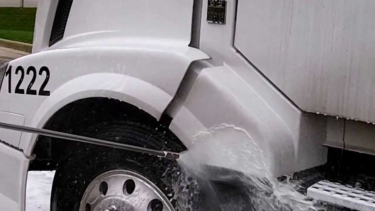How To Effectively 2 Step Truck Wash Without A Brush Youtube