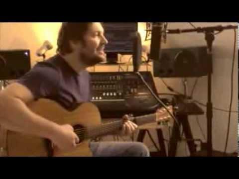Run (Snow Patrol / Leona Lewis) - acoustic cover Tom Tucker