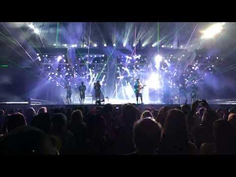 Bruno Mars - Gorilla (24K Magic World Tour, Oakland, CA Oracle Arena November 3 2017)