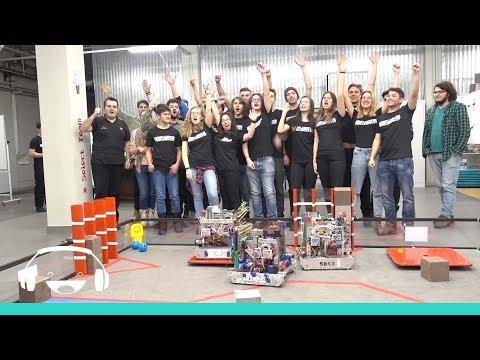 Smiley Omul (25): In saptamana campionilor - campionii la robotica