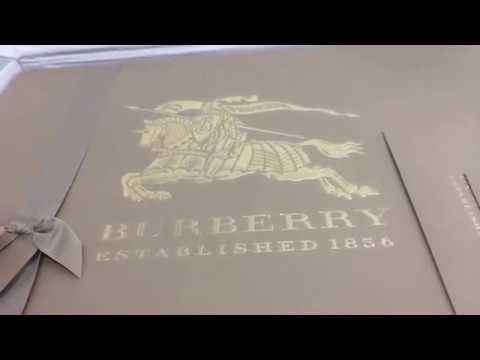 Burberry | Kensington Mid-Length Trench Coat Unboxing