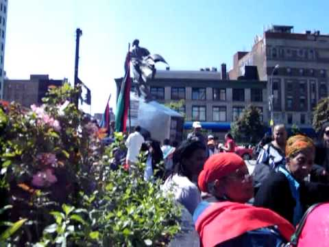 Adam Clayton Powell Jr. State Office Building Plaza - Saturday, May 19, 2012 - DSCF0196.MP4