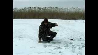 Особенности Ловли Окуня Зимой на небольшой глубине. ''О Рыбалке Всерьез'' видео 21.