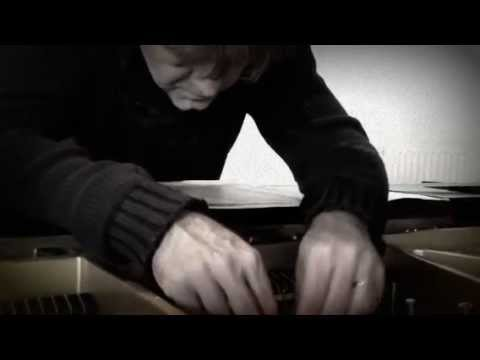 How to prepare a piano: Daan Vandewalle in actie