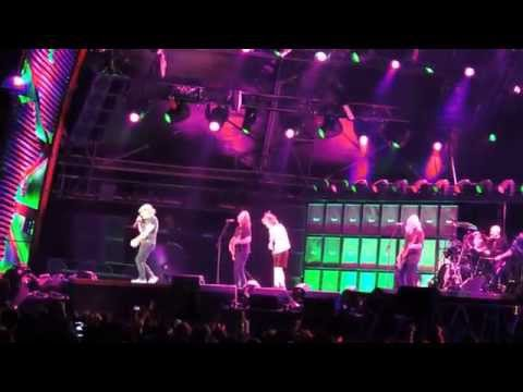 AC/DC- Rock 'n' Roll Train, Live @ Domain...