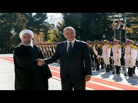 الرئيس الإيراني: حجم التجارة مع العراق يمكن أن يرتفع إلى 20 مليار دولار سنويا…  - نشر قبل 6 ساعة