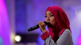 Fatin Shidqia - Irrelevant Lauren Aquilina Cover (Live at Music Everywhere) **