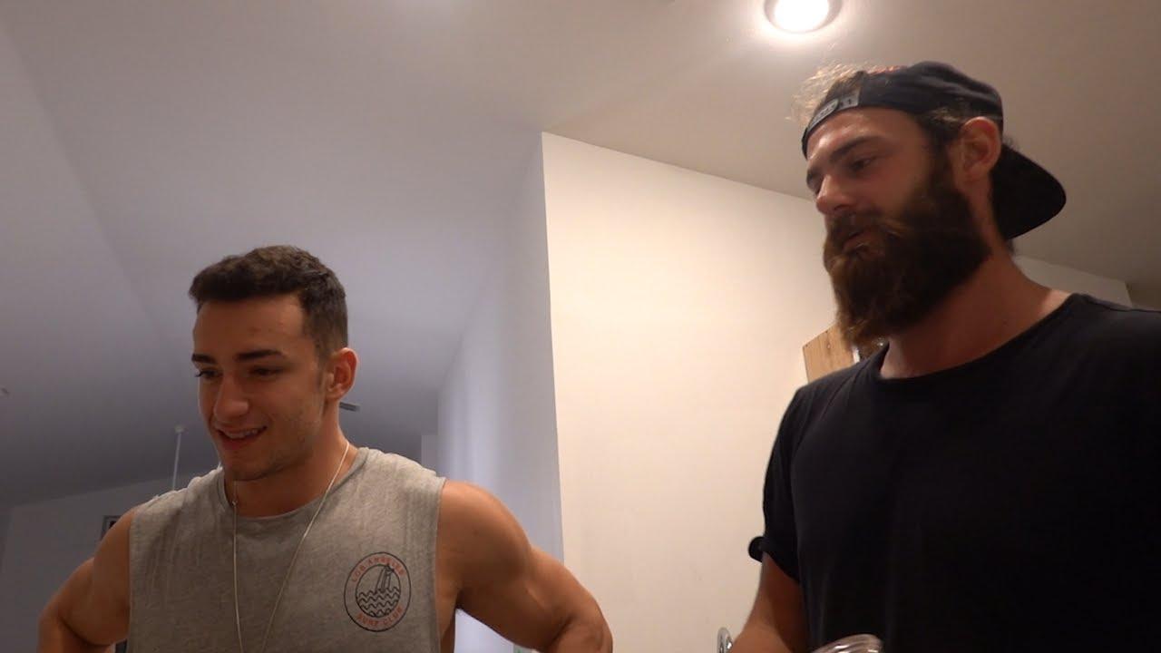 Vlog: Ahmet abilerin Amerika'da ilk evleri ! (Gulme garanti)