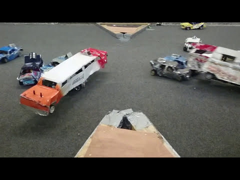 Alloy Bangers figure 8 crossover slow motion