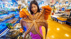 Korean Seafood Breakfast - BIG OCTOPUS + Extreme SQUIRTING Seafood in Seoul, South Korea!