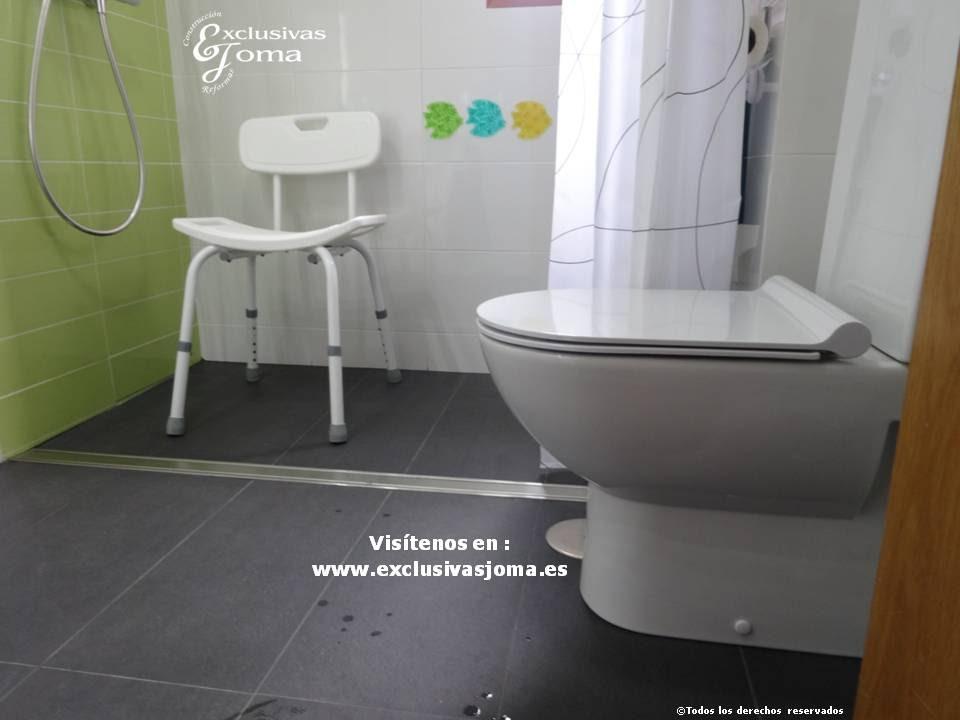 Ba o adaptadoa discapacitados facil acceso con silla de for Duchas para minusvalidos