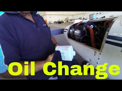 Aircraft Oil Change on a Piper Tomahawk