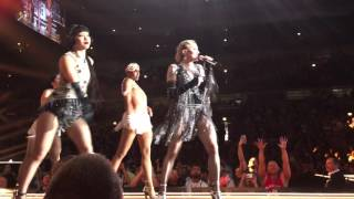 Madonna - Candy Shop (Rebel Heart Tour @ United Center/Chicago)