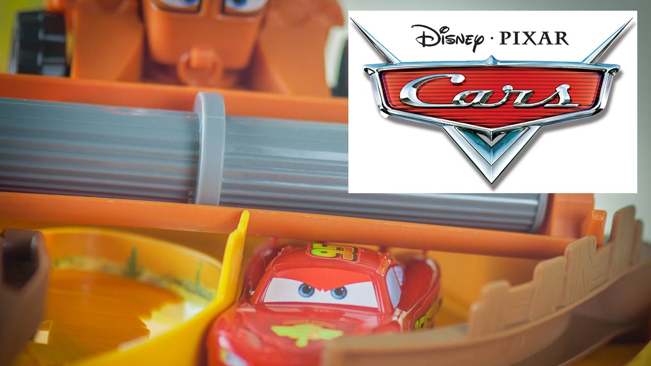 Disney Cars Youtube: Escape From Frank Track Set
