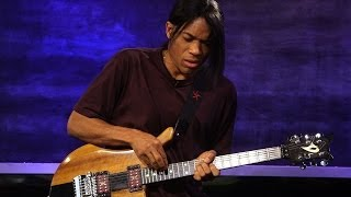 Jazz Guitarist Stanley Jordan Performs