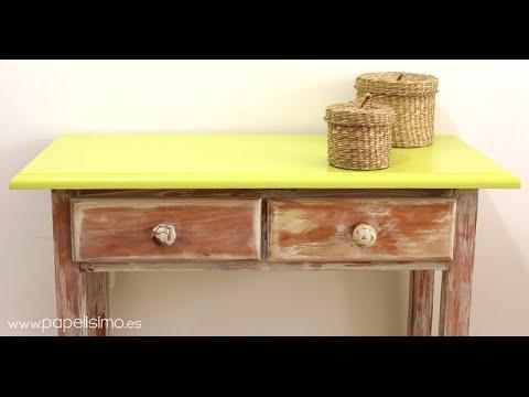 C mo envejecer un mueble de madera chalk y p tina youtube - Como decapar un mueble en blanco ...
