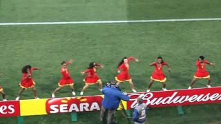 Italia - Slovakia - Waka waka cheerleaders.MOV