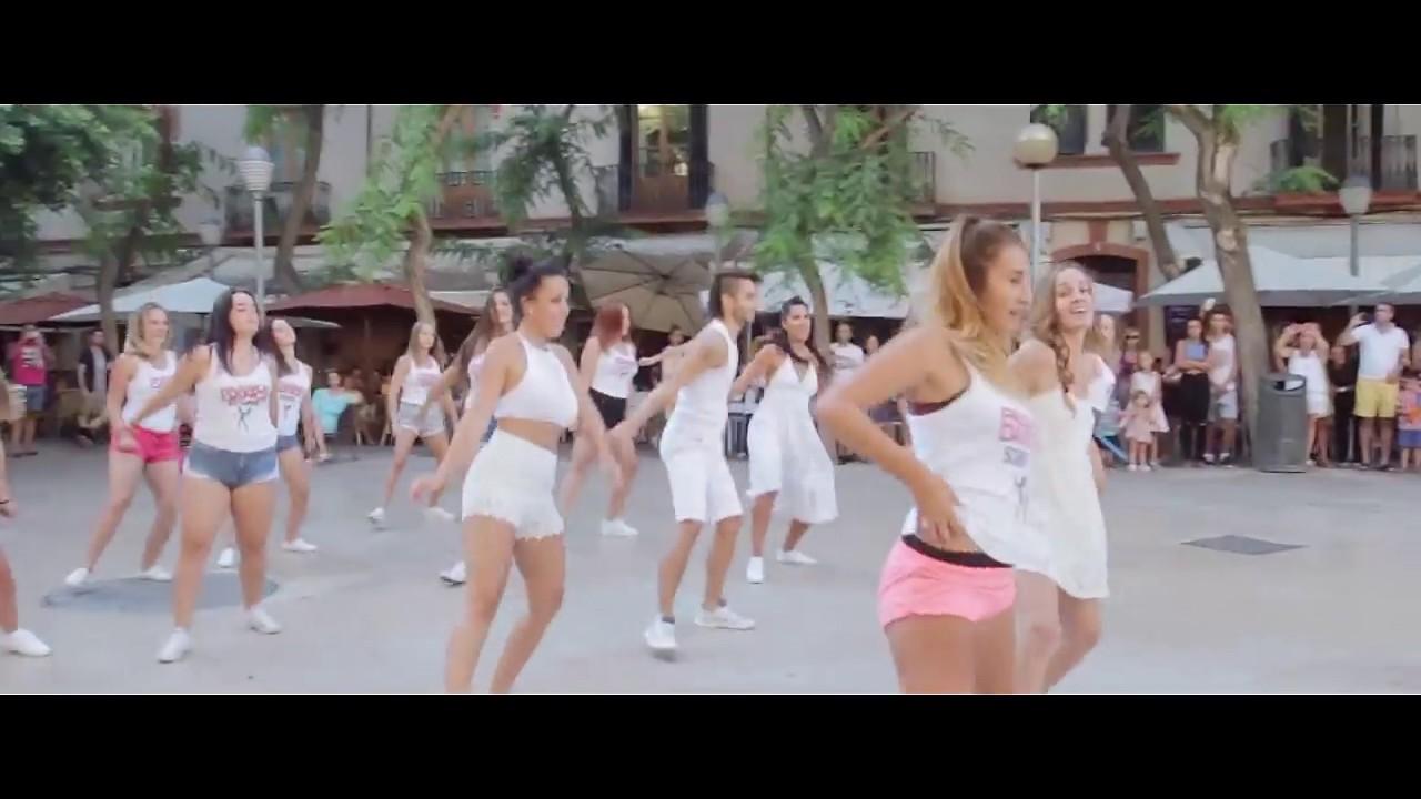 Flashmob proposal ibiza doovi for Ibiza ristorante milano