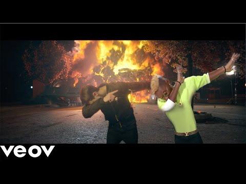 Fabio Rovazzi ft. Bello Figo - Tutto Molto Interessante [PARODIA]