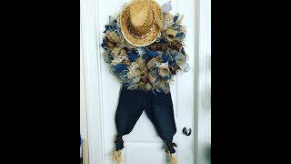 See Below for more ⬇⬇⬇⬇⬇ How to make a deco mesh scarecrow using cu...