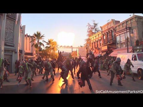 Halloween Horror Nights 2015 Opening Ceremony (FRONT ROW) Exterminatorz Scarezone HD