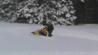 Video Ski Doo REV MXZX-RS 800 Powder Crashes download MP3, 3GP, MP4, WEBM, AVI, FLV Juni 2018