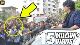 CRAZY Fans Attack Shahrukh & Duplicate During BIRTHDAY Celebrations Outside Mannat