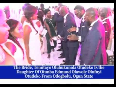 LAWYER / POLITICIAN MOYO OGUNLEWE ( Rtd ) WEDS TEMITAYO OTUEKO IN LAGOS