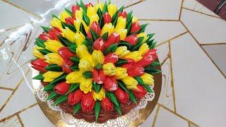 Торт Корзина с красивыми тюльпанами